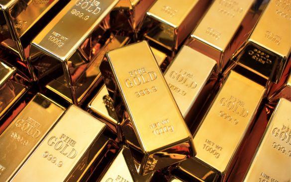 Золото становится дешевле в рамках коррекции
