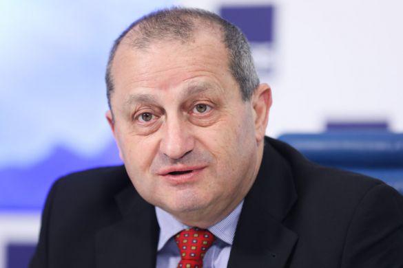 Политолог Кедми объяснил претензии Киева к Москве тем, что Украина «смертельно больна»