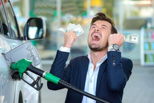 Граждане Германии за бензином ездят за границу из-за высоких цен на топливо