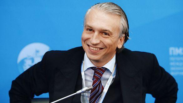 Дюков отметил снижение цен на бензин в сентябре