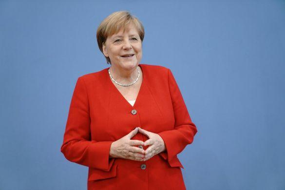 Меркель: в ноябре ЕК представит результаты анализа газового рынка Европы