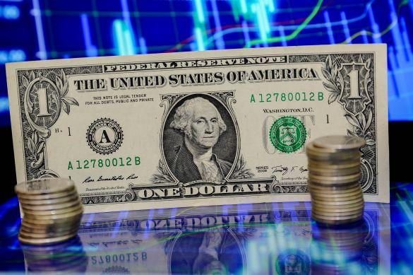«100 рублей за доллар?»: Левченко дал неутешительные прогнозы по курсу рубля в 2022 году