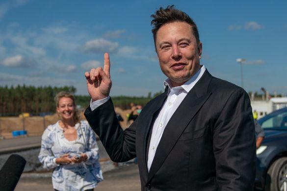 Forbes: Илон Маск стал самым богатым человеком за все время подсчетов